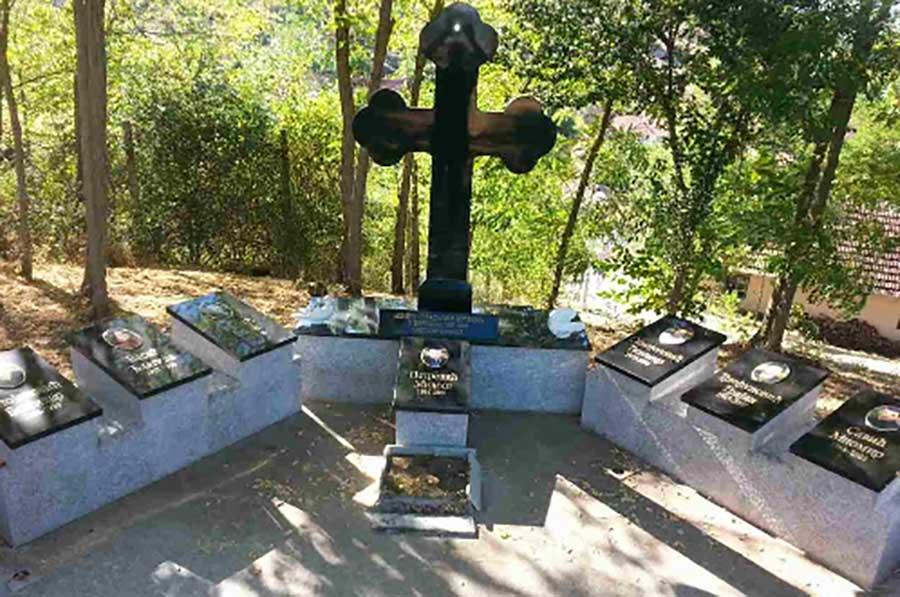Споменик - Церница