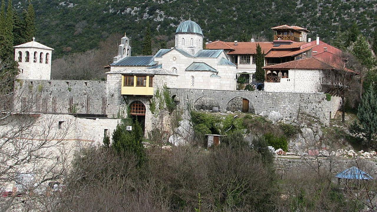 Манастор Тврдош